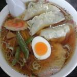 二番軒 - 餃子ラーメン(真上)