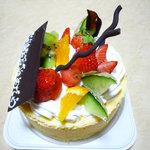 ストロベリー フィールズ - 誕生ケーキ(チーズケーキ)