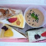 ストロベリー フィールズ - 100円~ケーキ達