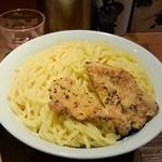 麺屋武蔵 二天 - つるつるの喉ごしが良い麺