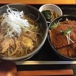 そば処 萬乃助 - 『冷 肉セット』様(1000円)※平日のお昼限定セットの一つ。肉そば様(冷)+天丼又はソースかつ丼のセットでおススメはソースかつ丼。