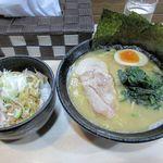 とんこつ工房辰味 - ラーメン+チャーシュー丼2016.01.16
