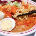 蒙古タンメン中本 - 麺は太め