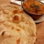 インド村 - チャパティとシーフードカレー
