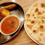 インド村 - チキンターリーセットをチャパティで