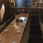 博多串焼き バッテンよかとぉ - 2階では最大14名様まで座れる宴会個室があります!