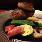 46575903 - 鉄板焼きなので、野菜の甘さが際立って美味しい。