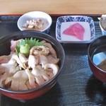 46576456 - ほっき丼1000円