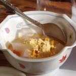 活魚民宿 港屋 - まぐろ丼セットのデザート(寒天)