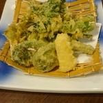 すいせん - 春野菜の天ぷら¥800 抹茶塩で ここの揚げ物は油っこくなくてウマイ!