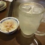 よしもと - チューハイレモン410円(税込) ※お通しはサービス
