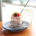 風工房 - ケーキセット (ドリンク代+280円)  '15 8月中旬