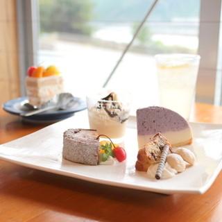 風工房 - 料理写真:平日限定ケーキプレート (810円)  '15 8月中旬