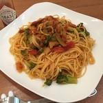 クラムカフェ - 日替わりトマトスパゲッティ