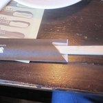 4659291 - またフォークとナイフが苦手な方にも料理にお箸が添えられてるから安心です。