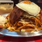 スパゲッティーのパンチョ - ナポリタン全乗せ(大盛り)