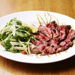 国産牛肉のタリアータ ルッコラ添え 15年熟成バルサミコソース
