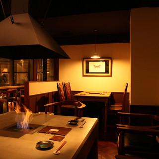 寒い季節には暖炉席もご用意しております。