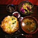 猿のしっぽ - ランチの親子丼❤ヾ(´∀`ヾ)