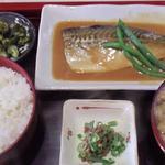八重ちゃん - 料理写真:さば味噌煮定食(810円)