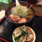 46598020 - 特製鶏中華とミニ麺たつ丼 ¥1160