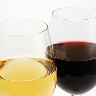 イタリア料理をさらにおいしく。料理に寄り添う多彩なワイン。