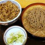 そば処 吉野家 - 牛丼と十割そばセット(600円)