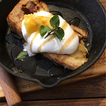 SEIA cafe&bar  - シナモンアップルのケーキ♡美味しい(≧∇≦*)