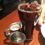 バツ - ランチのコーヒー