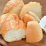 Osteria Gru - 本日のパンの盛り合わせ