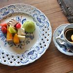 筑波山 ひたち野 - Bセット(1,512円)のデザートプレートとコーヒー