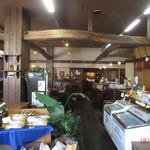 キヘイカフェ - 入口から奥を見た店内