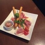 MAGIC TOKYO O - イタリア産生ハム。レバーパテとご一緒にお召し上がりください。