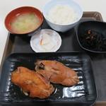 46618311 - 日替り定食(赤魚煮付)