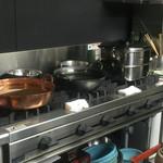 46619527 - ピカピカの厨房です。