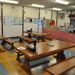 島豚家 - 6人掛けのテーブル