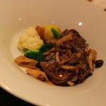 横浜馬車道 旬の肉料理イタリアン オステリア・アウストロ - 豚タンといろいろキノコのアグロドルチェ・・美味し