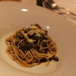 横浜馬車道 旬の肉料理イタリアン オステリア・アウストロ - 手打ちのタリオリーニを鴨のラグ-で