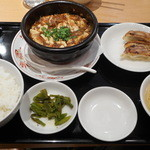 一品香 - 料理写真:麻婆豆腐餃子セット
