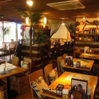 ハワイアン家具に囲まれて☆素敵なディナーを堪能!!