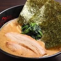 J-LOW麺 - 豚骨醤油ラーメン 650円