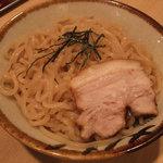 ○寅 - つけ麺の麺
