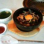 食道園 - 石焼きビピンバとわかめスープ