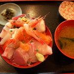 食事処よかった - 海鮮丼 680円