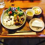 46637245 - ネギ塩ダレで食べる★カリカリ豚こま団子(サラダ、ごはん、お味噌汁付)+ 選べるデリ2品