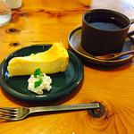 46637345 - ケーキ&紅茶