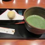 清月茶房 - 和菓子 抹茶添え 972円