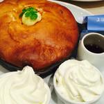 Butter - 窯出しスフレパンケーキ             ~純生クリーム&北海道生乳ソフトクリーム添え~