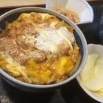 丼多来 - 料理写真:半ドン の大盛りです(^^)