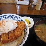 かつ家 - おろしカツ丼と味噌汁
